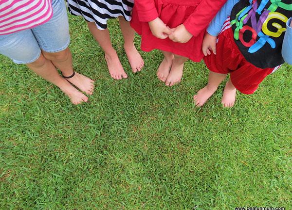 piedi_nell'erba